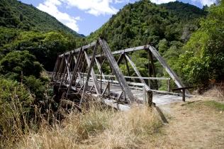 manganuku-bridge